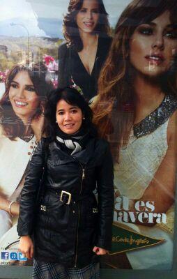 Melani Arnaldi sesaat setelah presentasi paper di Madrid, Spanyol
